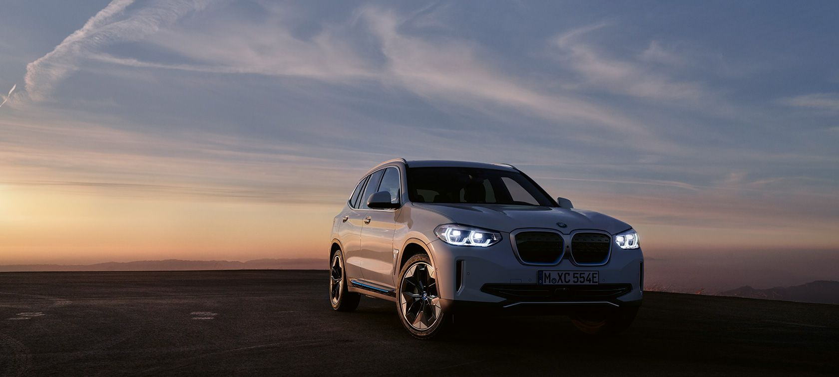 BMW iX3 - Der erste vollelektrische BMW X3